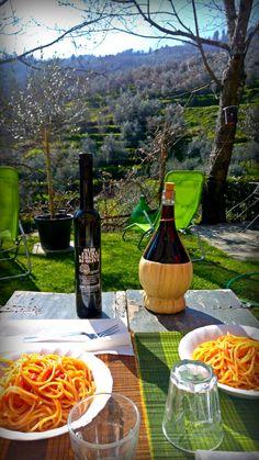 Pranzare all'aperto al Tananei - Alfresco dining at Tananei