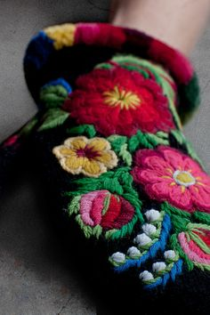 Swedish mittens - Embroidered Mittens, in an exhibition at Liljevalchs.