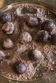These vegan truffles are super decadent and incredibly healthy. They're great for dinner parties or to keep at home for a simple snack when you're on the go. You can store them for up to month in the
