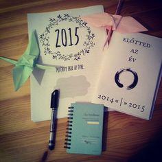 """""""Két vizsga között #newyear #thanks @via_urbaneve @yearcompass #start #madàrlelkűlàny #notebook #bird #origami #writing #lenduletmagazin #followme…"""""""