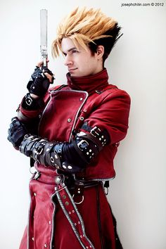 Vash (Trigun) | Vash (Trigun) 24 Of The Best Cosplays Ever. @StyleSpaceandStuff.Blogspot.com Heydenrych www.heysammysam.co.za