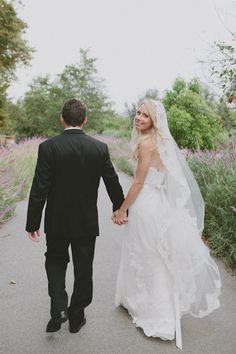 We LOVE this veil. Photography by fondlyforever.com