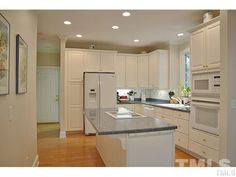 Not enough White or too much White? What's your opinion on 73212 Burrington's #WhiteKitchen? #GovernorsClubRealty  #GovernorsClub #ChapelHillRealEstate