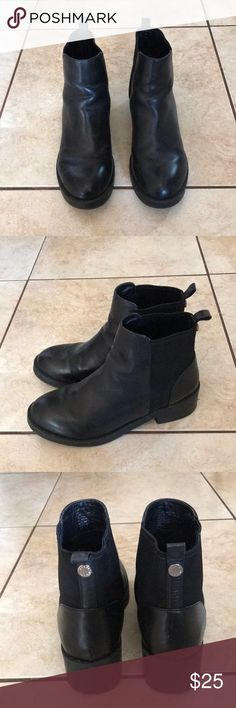 Steve Madden Boots Black leather Steve Madden Shoes Ankle Boots & Booties