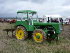 Dutra UE 28 4x4 New Tractor, Vintage Tractors, John Deere Tractors, Rubber Tires, Old And New, Cars And Motorcycles, Techno, 4x4, Vehicles