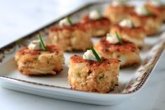 Baby Crab Cakes with Spicy Remoulade: (SAUCE)Serve as passed hors d'oeuvres or as a first course (perhaps with a handful of very lightly dressed greens) Wedding Hors D'oeuvres, Wedding Appetizers, Wedding Catering, Wedding Cake, Gold Wedding, Wedding Flowers, Gourmet Appetizers, Appetizer Recipes, Heavy Appetizers