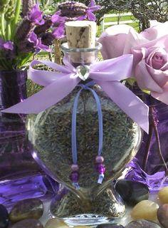 X ღɱɧღ Lavender Cottage, Lavender Fields, Lavender Color, Lavender Flowers, Dried Flowers, Purple Flowers, Beautiful Flowers, Lavender Crafts, Shades Of Violet
