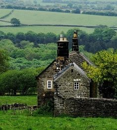 Stone House in Derbyshire, England. The simplicity, the scenery, the green that never ends. Cottages Anglais, Stone Houses, Stone Cottages, English Countryside, Derbyshire, Oh The Places You'll Go, Country Life, Country Living, Brighton