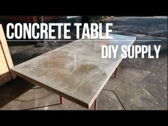 This unique photo can be a very inspirational and exceptional idea Countertop Materials, Concrete Countertops, Concrete Floors, Kitchen Countertops, Painting Fabric Furniture, Painted Furniture, Concrete Projects, Diy Projects, Concrete Table