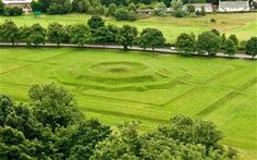 "Archaeologists searching for King Arthur's round table have found a ""circular feature"" beneath the historic King's Knot in Stirling. www.telegraph.co...."