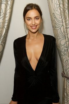 Looking for fashion lovers? Certainly know the artist Irina Shayk, a very talented artist. No wonder if a public figure of any subject including suits...