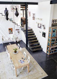 Living-dining room in an industrial seventies house with glass walkway | Styling Sven Alberding | Photographer Warren Heath | vtwonen August 2015