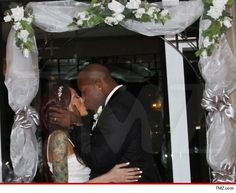 Terrell Suggs Married   News Media Source And Urban Search Engine. Not Just A Hip Hop Site Terrell Suggs, Baltimore Ravens, News Media, Getting Married, Search Engine, Hip Hop, Baby, Urban, Hiphop