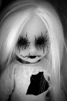Creepy doll. Love her.....cooooool...  You can make your costume  look like this!  Get makeup at:  HalloweenMarketplace.com