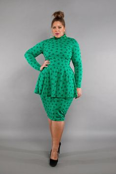 I am in love with this peplum dress Plus Size Peplum, Peplum Dress, Peplum Tops, High Waisted Pencil Skirt, Professional Women, Dressy Outfits, Playing Dress Up, Mock Neck, Retro Fashion