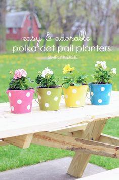 DIY Polka Dot Pail Flower Planter | simplykierste.com