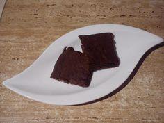 "To čo zmenilo ""moje JA"": Cviklové brownies Brownies, Desserts, Food, Cake Brownies, Tailgate Desserts, Deserts, Essen, Postres, Meals"