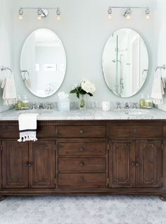 60 Fantastic Farmhouse Bathroom Vanity Decor Ideas And Remodel. If you are looking for 60 Fantastic Farmhouse Bathroom Vanity Decor Ideas And Remodel, You come to the right place. Dark Wood Bathroom, Bathroom Vanity Designs, Modern Bathroom, Bathroom Ideas, Budget Bathroom, Bath Ideas, Shower Bathroom, Bathroom Storage, Bathroom Images