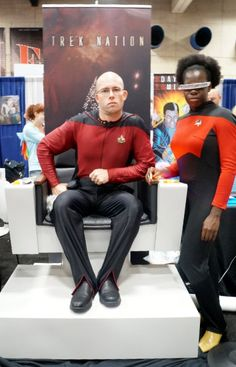 Jean-Luc Picard and Geordi La Forge cosplay at Comic-Con