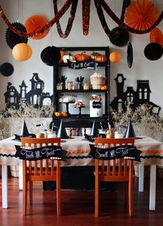 5 Inspiring Halloween Parties Halloween coming up!!!! so excited this year hope we do anything hay ride!! #familyfun #myfamilyrocks