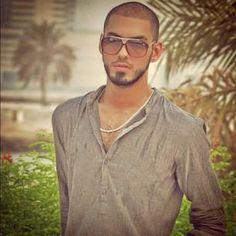 Omar Borkan Al Gala Arab Men, Beautiful Men, Hot Guys, How To Look Better, Mens Sunglasses, Handsome, Menswear, Mens Fashion, Model