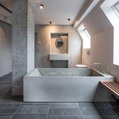 This massive concrete bath tub. Whoa! - Karhard Architektur - desire to inspire - desiretoinspire.net