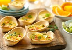 Mini Quiche Boats - Quick to make for on-the-go breakfast, but pretty enough to serve for a weekend brunch. Free Breakfast, Breakfast Casserole, Breakfast Recipes, Breakfast Ideas, Breakfast Dishes, Breakfast Burritos, Mini Quiches, Muffins, Bowls