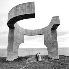 "Eduardo Chillida with his ""Elogio del Horizonte"" in Gijón, Spain. 1990"