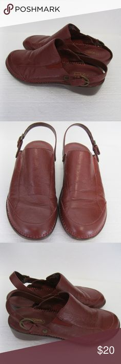 "Women's Shoes Easy Spirit Leather Size 6M Women's Shoes Easy Spirit Leather Size 6M Reddish Brown Sofies Style...In great condition...Length measures 9.25"".....Widest part of bottom sole  measures 3.5"". Easy Spirit Shoes Mules & Clogs"