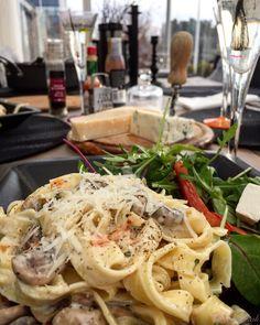 Pasta med gorgonzolasås Spaghetti, Pasta, Ethnic Recipes, Food, Essen, Meals, Yemek, Noodle, Eten