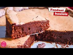 This keto fat bombs recipe is ridiculously easy to make and shockingly delicious! Goodness, gracious they are good! Bon Dessert, Keto Dessert Easy, Easy Desserts, Dessert Recipes, Keto Desserts, Ketogenic Diet, Vegan Keto Diet, Chocolate Fat Bombs, Chocolate Fudge