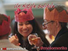 Nessuno dovrebbe essere solo a Natale.  Aiutiamo i bisognosi donando loro un sorriso e un pasto caldo, e ritroveremo il vero spirito del Natale.  http://www.flickr.com/photos/salforduniversity/6548350765/