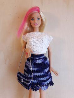 Puppenkleidung - Barbie Rock und Tasche (gehäkelt), blau - ein Designerstück von Anna-Tim bei DaWanda