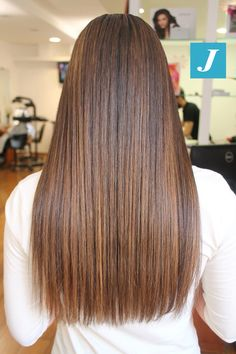 The perfection of the shades of Degradé Joelle. Brown Hair Balayage, Hair Highlights, Hair Dye Colors, Cool Hair Color, Straight Hairstyles, Cool Hairstyles, Free Haircut, Joelle, Dye My Hair