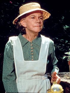 "Ellen Corby -- (6/3/1911-4/14/1999). Film & Television Actress. She portrayed Grandma Esther Walton on TV Series, ""The Waltons"". Movies -- ""Caged"" as Emma Barber, ""The Mating Season"" as Annie and ""On Moonlight Bay"" as Miss Mary Stevens. She suffered a serious Stroke, but recovered and returned to ""The Waltons"", but she died from several years of declining health at age 87."