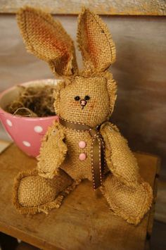 looks like i am going to have a bunch of burlap bunnies this Easter!