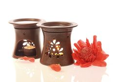 Made from high glazed ceramic. Simply place a few drop of essential oil into the reservoir with water filling up, add ignite a tea light for the ultimate aroma therapeutic experience. Ceramic Oil Burner, Ceramic Clay, Glazed Ceramic, Essential Oil Burner, Essential Oils, Ceramic Workshop, Candle Diffuser, Oil Burners, Ceramics Projects