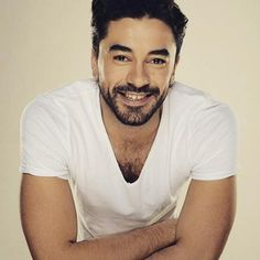 Gökhan Alkan Heart Bit, Turkish Beauty, Turkish Actors, In A Heartbeat, Gorgeous Men, Comedy, Handsome, Singer, Actresses