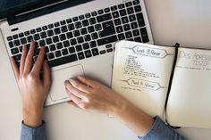 étapes à suivre pour créer un blog - ecrire sur un ordinateur - comment créer un blog - Au'riginalité blog 1