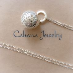Filigree Earth € 191  Negative thoughts can constrain and hold us back. Cahana is about welcoming warm and positive energy in your life.  Cahana Jewelry is designed to hold your affirmation, but also to support your wishes with precious and beautiful tokens and crystals, each carrying a special value and force.