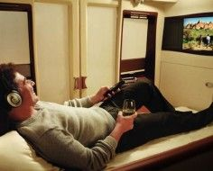 Singapore Airlines Offer Passengers Private Suites With Double Bed [Pics]
