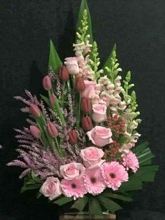 Floral design Floral design The post Floral design appeared first on Floral Decor. Rosen Arrangements, Large Flower Arrangements, Flower Arrangement Designs, Funeral Flower Arrangements, Funeral Flowers, Flower Centerpieces, Flower Decorations, Flower Designs, Ikebana Flower Arrangement