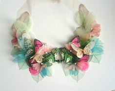 Browse unique items from jewelera on Etsy, a global marketplace of handmade, vintage and creative goods. Fashion Details, Diy Fashion, Ideias Fashion, Couture Embroidery, Hand Embroidery, Diy Accessoires, Collar Designs, Beaded Collar, Fabric Manipulation