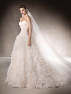 St. Patrick | MARLAN - Pink tulle wedding dress with wide skirt