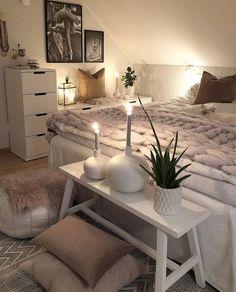 Cozy Boho Master Bedroom - - Source by bedroom boho Diy Home Decor On A Budget, Cute Home Decor, Fall Home Decor, Autumn Home, Romantic Home Decor, Romantic Homes, Deco Studio, Bohemian Room, Bohemian House