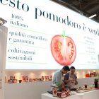 Momenti dello show cooking di Monica Bianchessi e Mattia Poggi allo stand Pomì