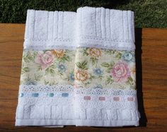 Kit 2 Toalhas de Lavabo Floral