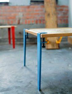 The Floyd Leg, estruturas de metal que transformam qualquer superfície plana (como tábuas) em estilosas mesas com pé coloridos.