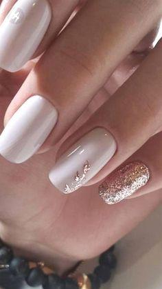 Wie Gel-Nagellack schnell trocknen Nail Polish w.p nail polish Gorgeous Nails, Pretty Nails, Gold Nail Designs, Gel Polish Designs, Elegant Nail Designs, Rose Gold Nails, Sparkle Nails, Black Nails, Matte Black