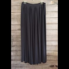 """Zara Maxi Skirt Beautiful Gray maxi skirt with two side slits - hidden side zipper closure - waist 15"""" across - 39""""L - excellent condition, no signs of wear - perfect summer to fall transition piece!! 🚫NO TRADES/NO MODELING🚫 Zara Skirts Maxi"""